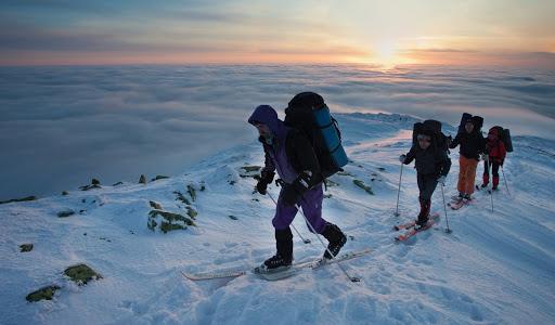 Прикарпатців, які збираються в гори, закликають реєструвати маршрут. Як це зробити