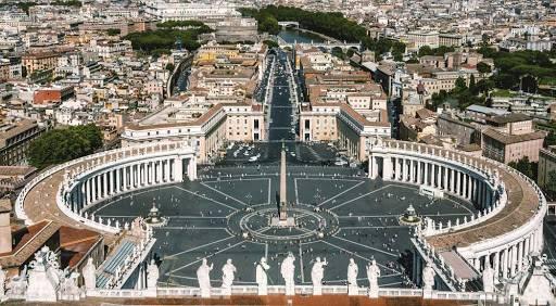 Ватикан відпустить гріхи хворим на коронавірус