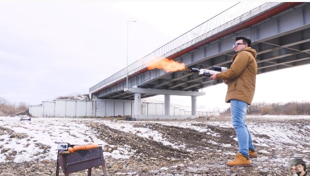 В Івано-Франкіську вперше в Україні протестували НЕвогнемет Ілона Маска (ВІДЕО)