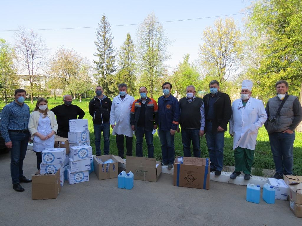 Літри антисептиків і тисячі масок, та рукавичок отримала Косівська центральна райлікарня від газовиків (ФОТО)