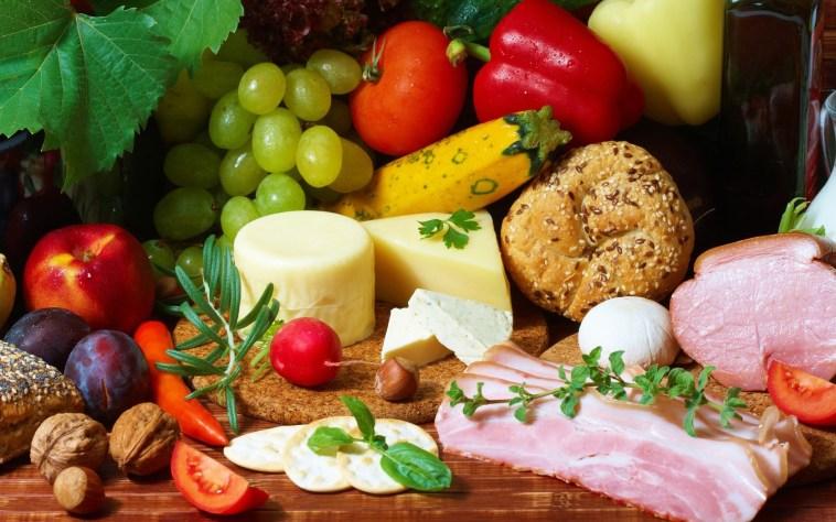 Франківців закликають до свят зібрати продукти для бідних
