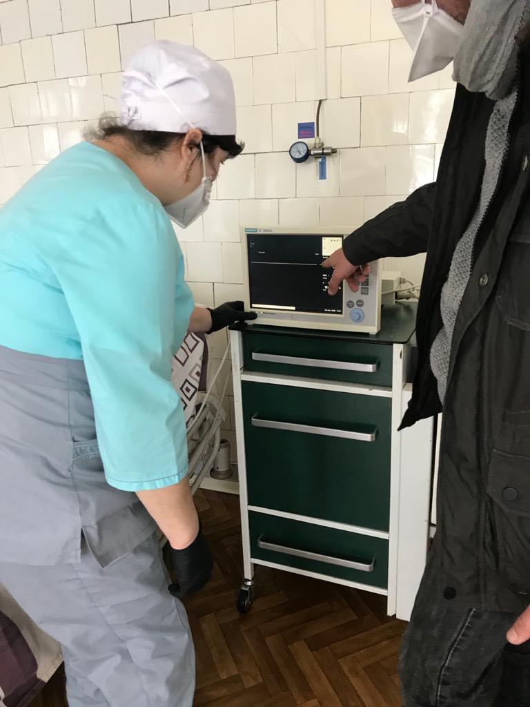 Благодійники передали обласній інфекційній монітори стеження за пацієнтами (ФОТО)