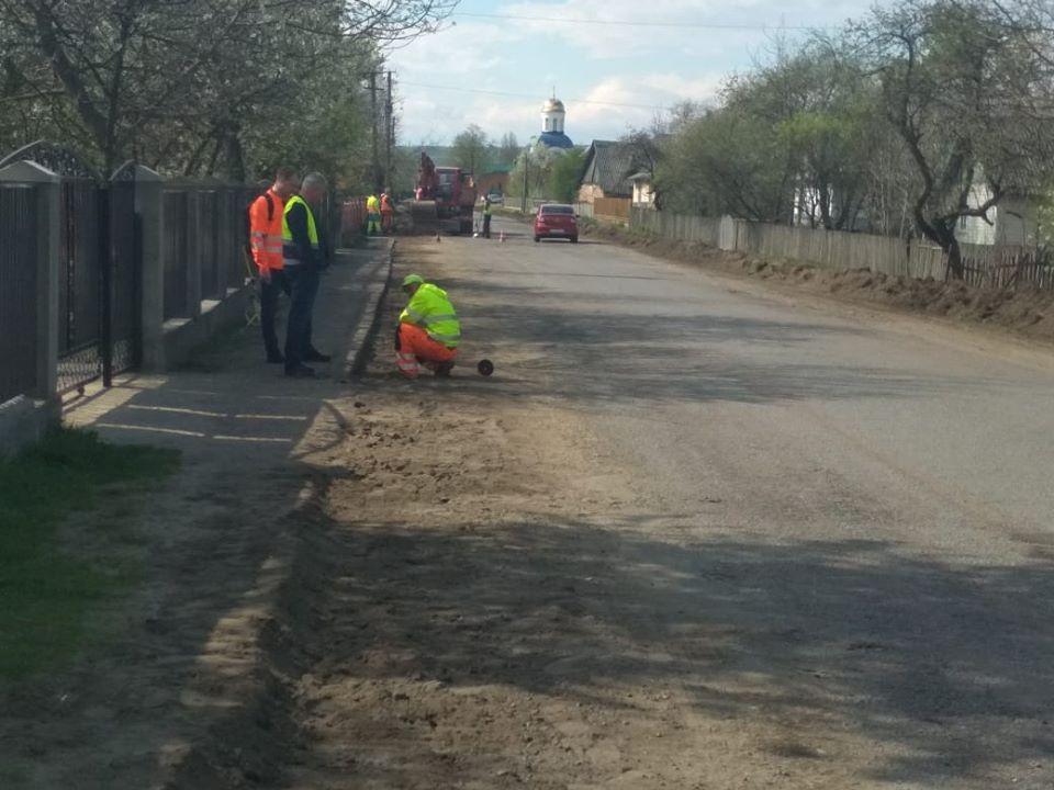 Дорожники розпочали ремонт дороги Калуш-Осмолода (ФОТО)
