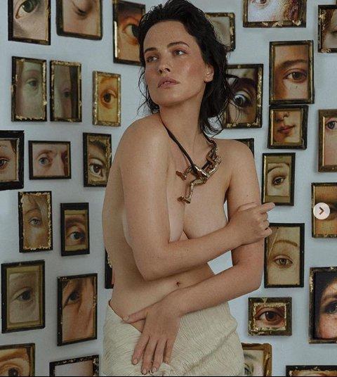 Українська зірка Playboy повністю роздягнулася для пікантної фотосесії (ФОТО)
