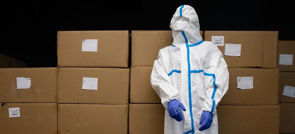 Вісім тисяч захисних костюмів для медиків отримало Прикарпаття (ВІДЕО)