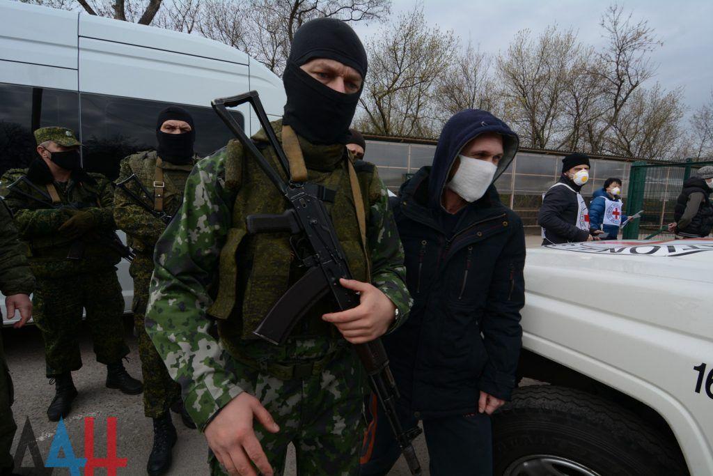 На Донбасі почався обмін – Україні повернуть 19 полонених