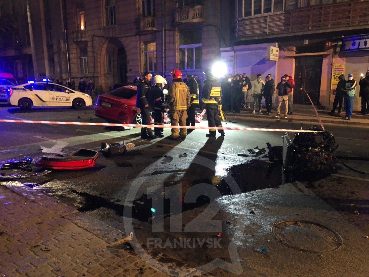 Моторошна автотроща: на Гаркуші водій не впорався з керуванням і врізався у будинок (ФОТО, ВІДЕО) (ДОПОВНЕНО)