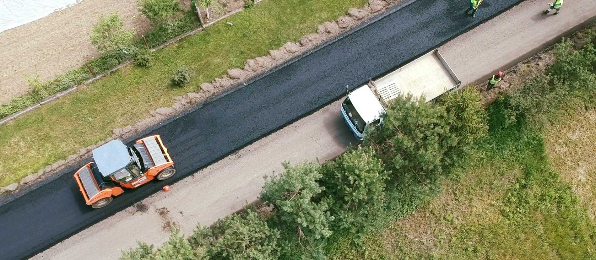 У приєднаному до Івано-Франківської ОТГ селі ремонтують дорогу (ФОТО)