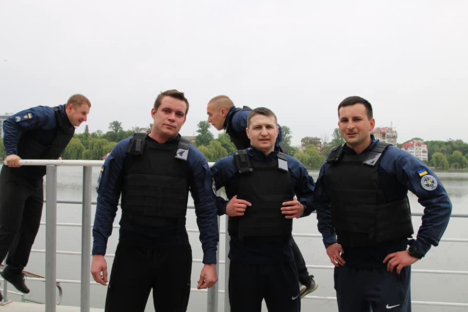 Працівники судової охорони виконали «комплекс Мерфі» у пам'ять загиблих воїнів (ФОТО)