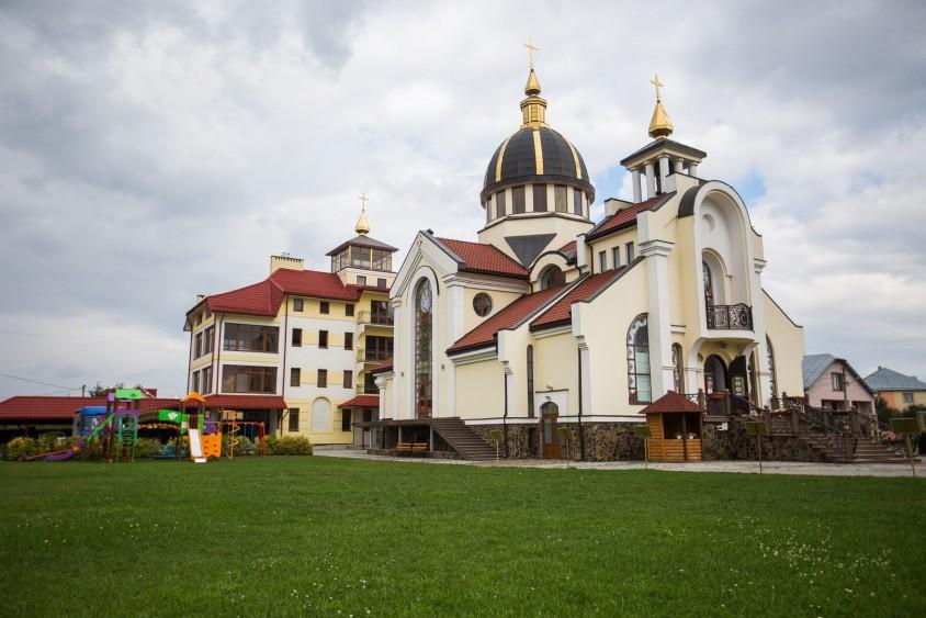 Франківських парафіян запрошують на храмове свято в режимі онлайн (ПРОГРАМА)