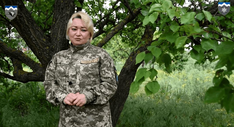 Калушанка з десятої гірсько-штурмової бригади присвятила вірш Героям України (ВІДЕО)