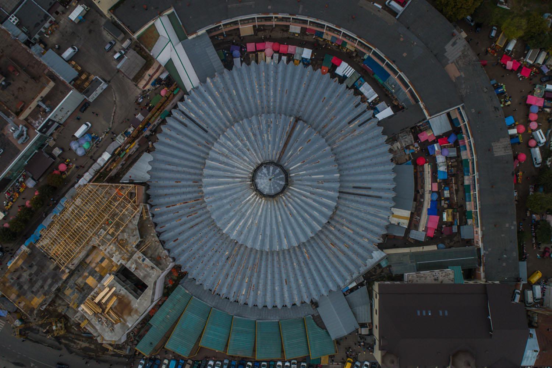 У мережі з'явилась світлина центрального ринку Франківська з висоти пташиного польоту (ФОТО)