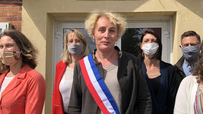 У Франції вперше обрали мером трансгендерну жінку