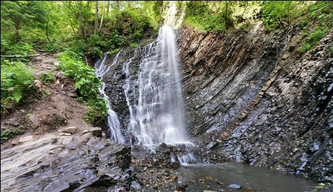 Прикарпатці можуть онлайн прогулятися водоспадом Женецький Гук