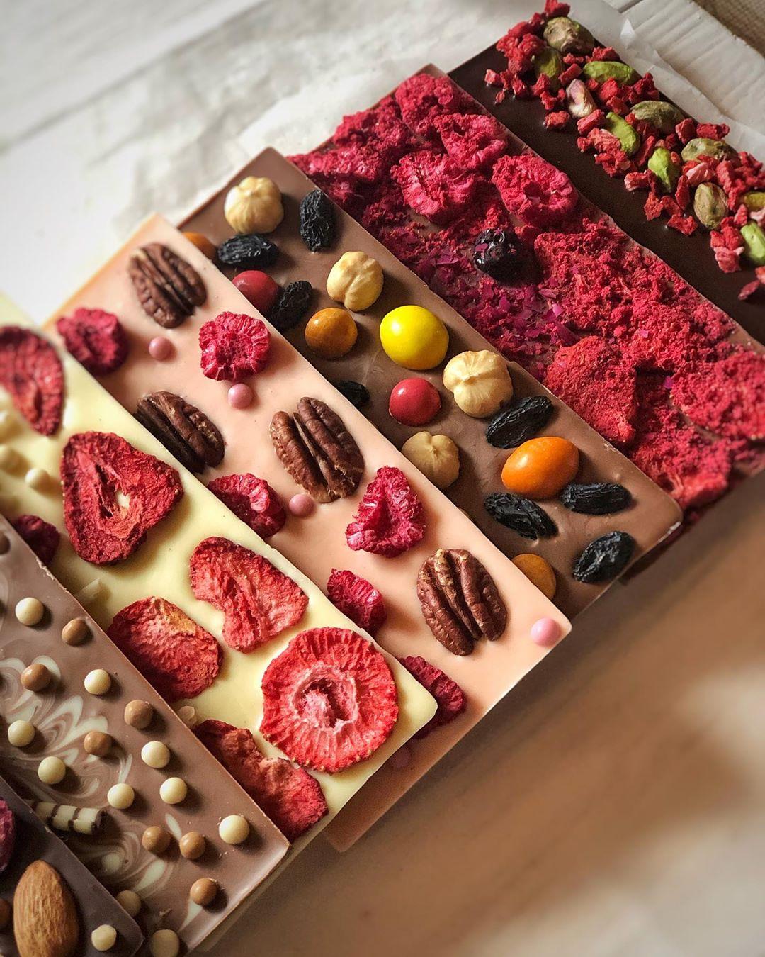 Шокофея з Прикарпаття виготовляє неймовірні солодощі з шоколаду (ФОТО)