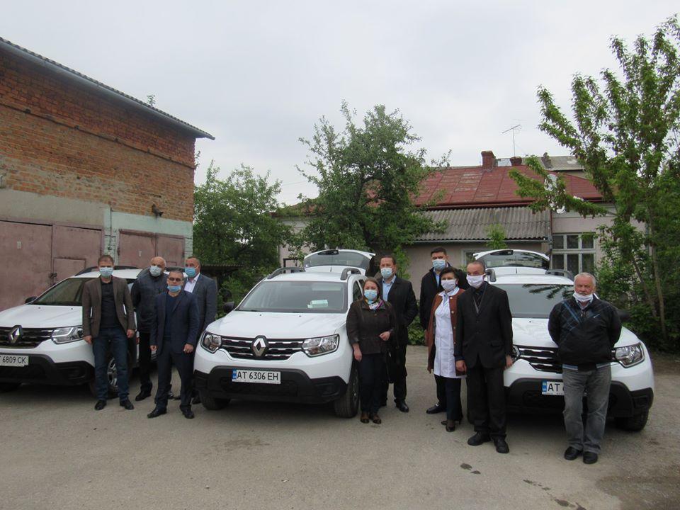 На Надвірнянщині амбулаторії отримали автомобіли та сучасне обладнання (ФОТО)