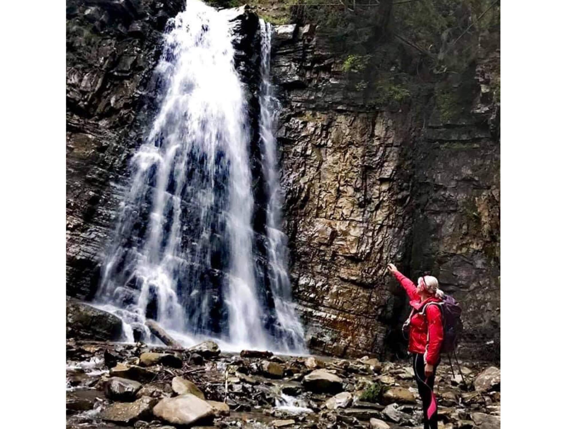 Франківка проїхала велосипедом 146 кілометрів водоспадами Надвірнянщини (ФОТО)