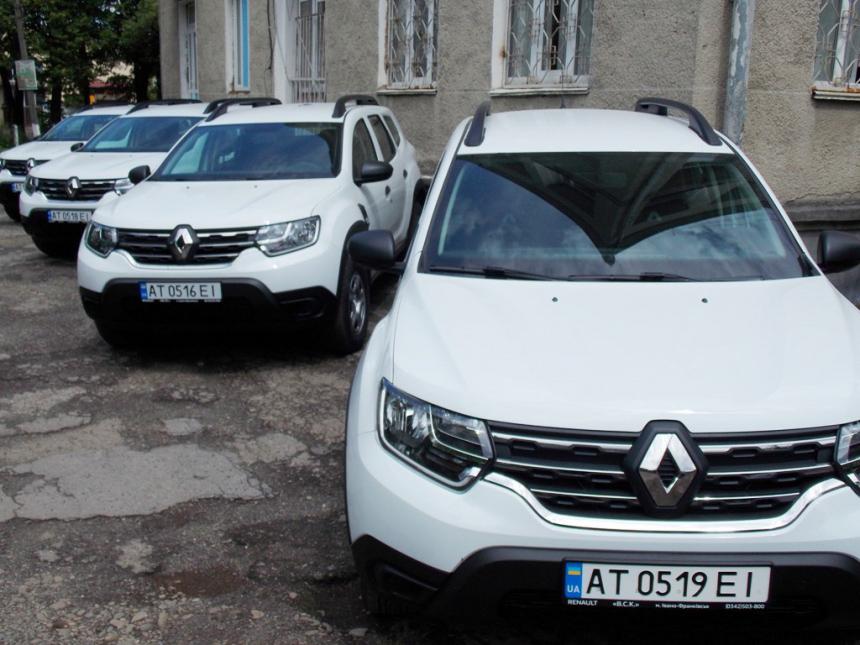 Амбулаторії Калуського району отримали нові автомобілі (ФОТО)