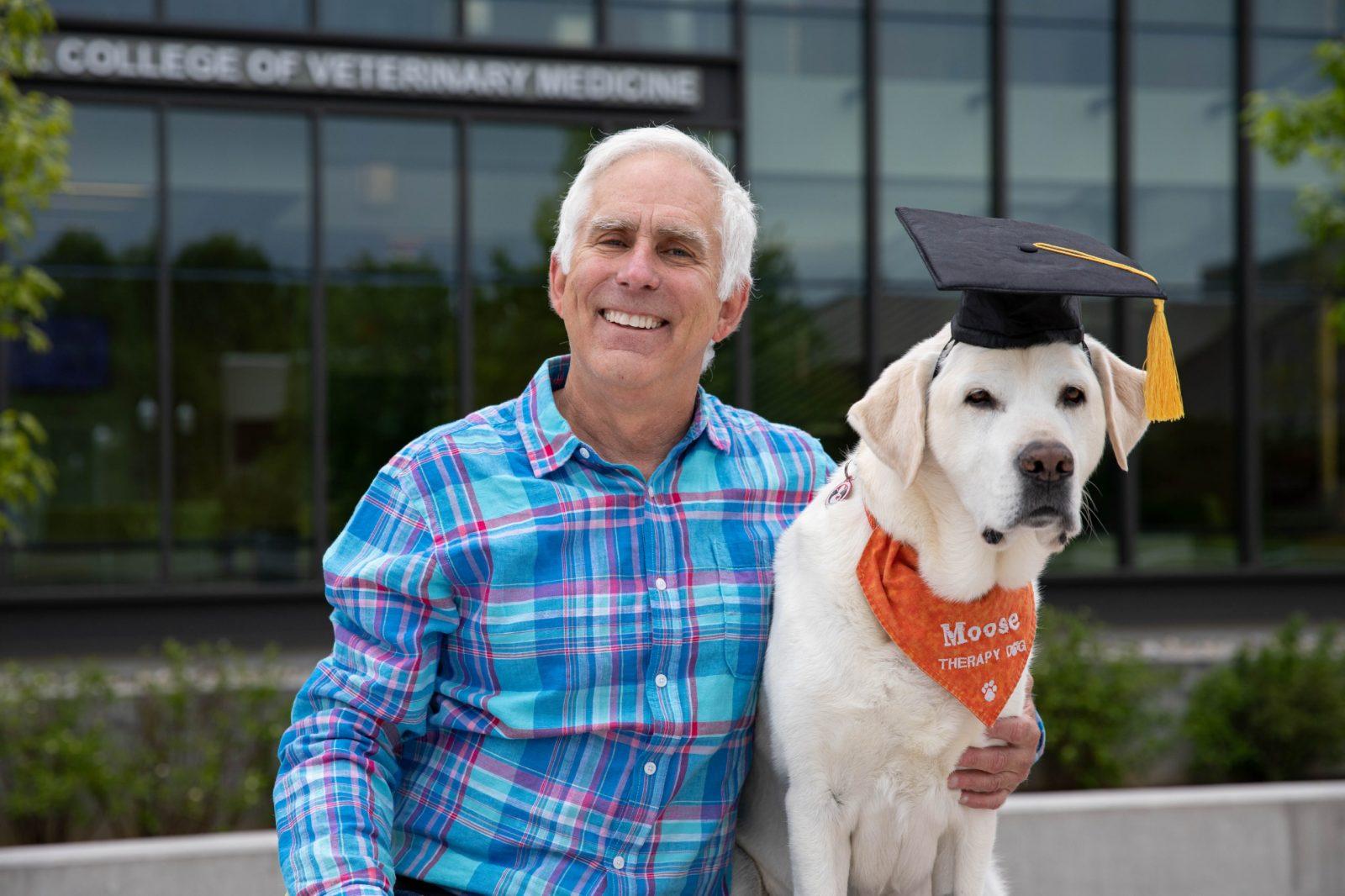 У США собака-терапевт отримав звання доктора наук (ФОТО)