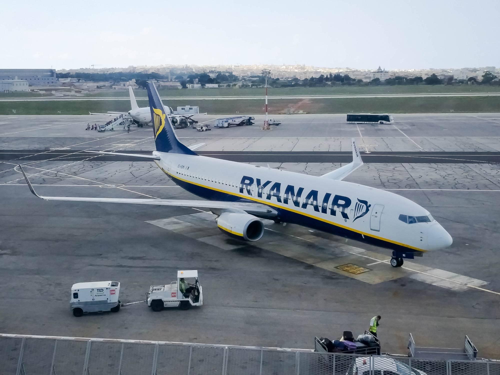 Ryanair істотно скоротив кількість рейсів з України