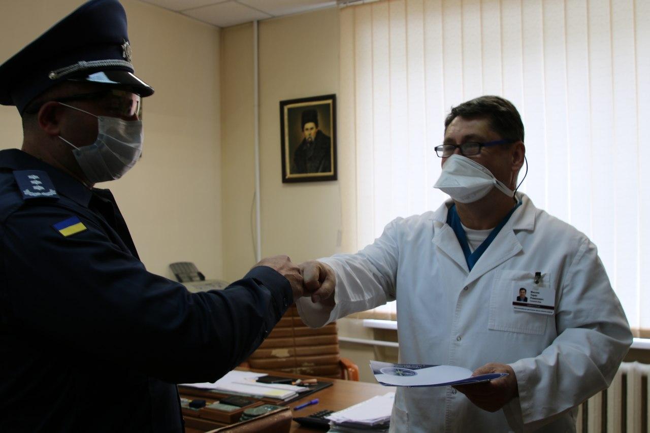 Працівники прикарпатської судової охорони перерахували одноденну зарплату на допомогу для медиків