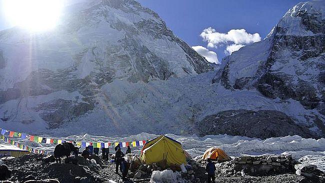 На Евересті з'явився зв'язок 5G