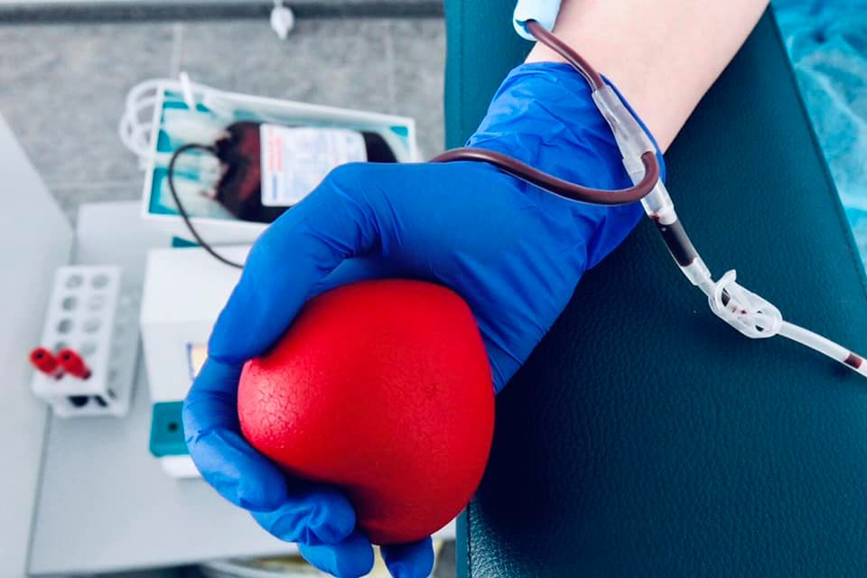 У Франківську терміново потрібні донори-чоловіки з другою групою крові