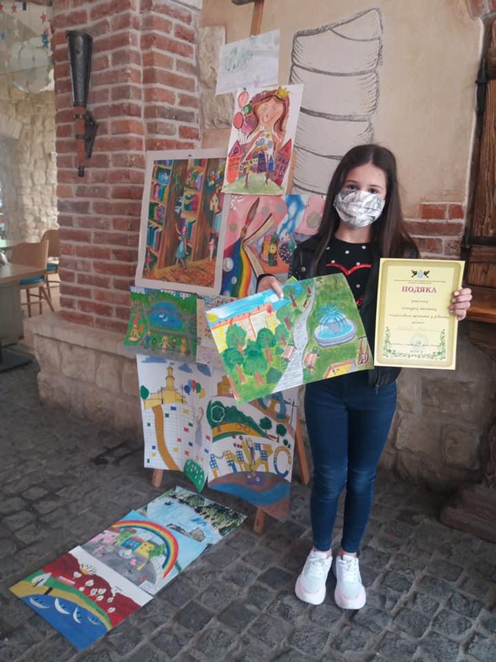 Юні франківці створили 175 картин про своє дитинство у місті (ФОТО)