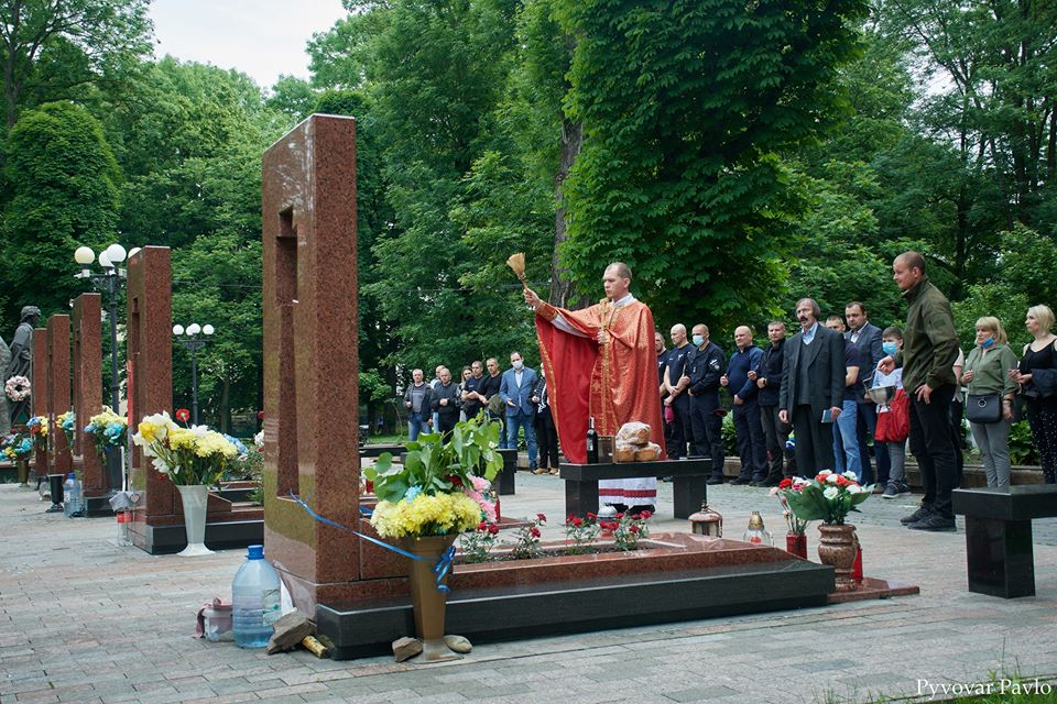 У Франківську вшанували пам'ять загиблого бійця Михайла Шемегінського (ФОТО)
