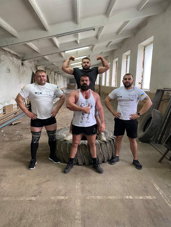 Хлопці у найкращій формі: прикарпатці вирушили на чемпіонат України з богатирського багатоборства
