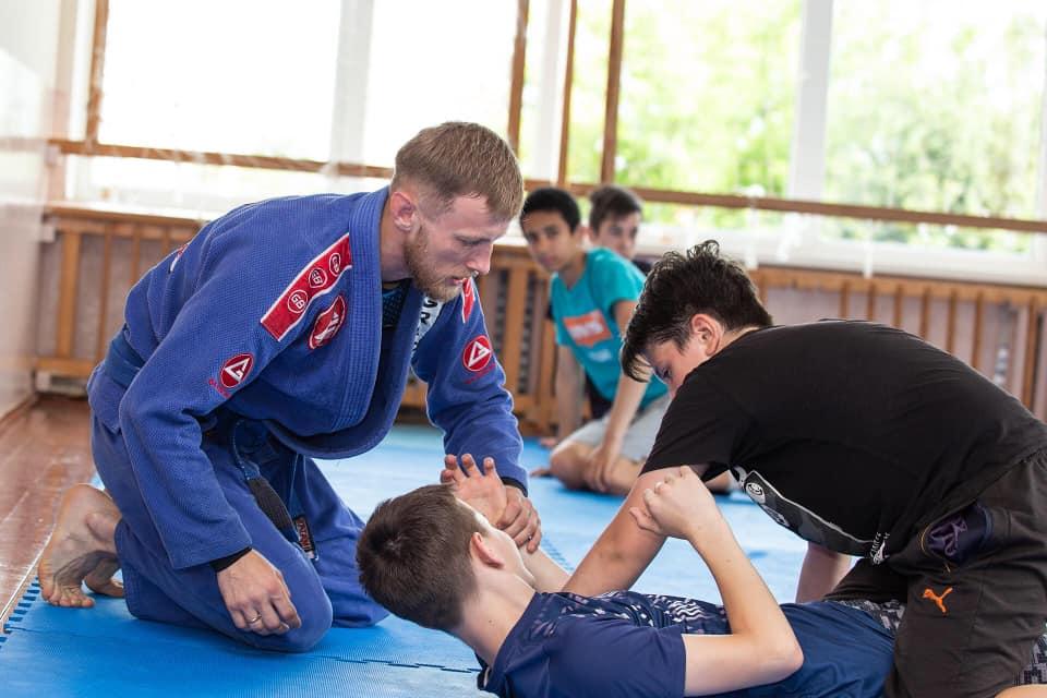 У Франківську стартували безкоштовні спортивні заняття для дітей та ветеранів війни