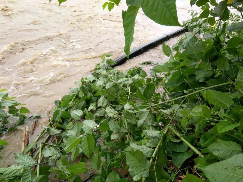 На Долинщині понад 2400 домогосподарств без газу. Висока вода заважає почати ремонт (ФОТО)