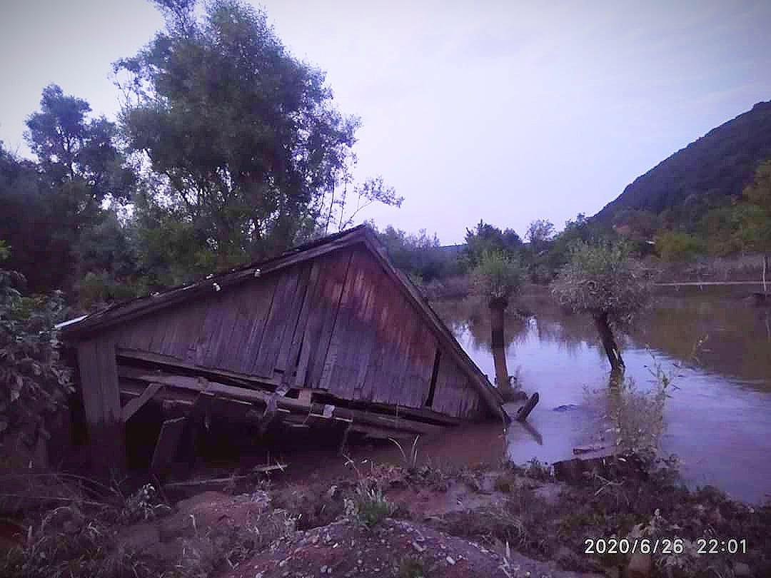 """На Тлумаччині паводок знищив унікальний водяний млин, який """"не добила"""" негода 2008 року (ФОТО)"""