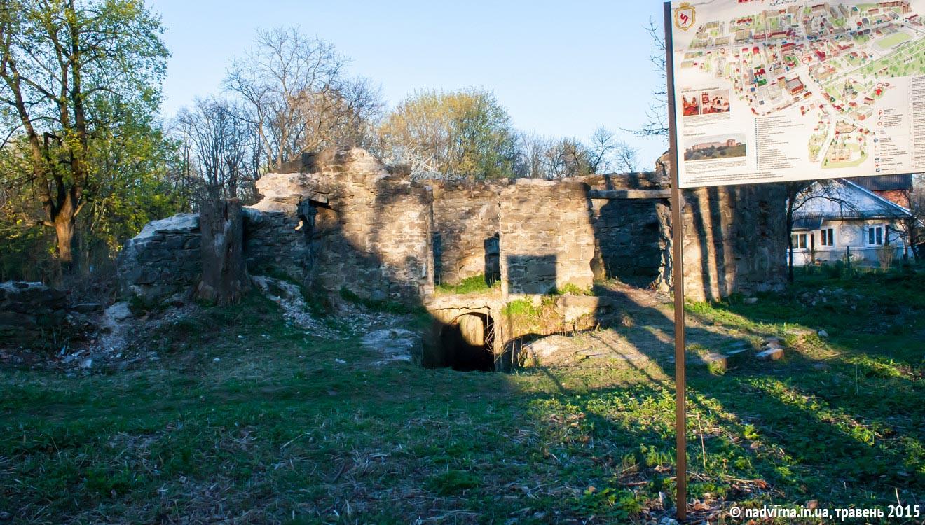 Надвірнянців кличуть на толоку до замку Краснодвір