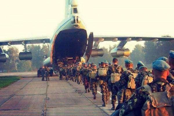 Україна вшановує пам'ять екіпажу літака Іл-76, збитого окупантами в небі над Луганськом