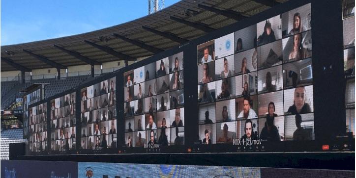У Данії на футбольному матчі з'явились віртуальні трибуни: тепер вболівальники можуть підтримати свою команду через Zoom