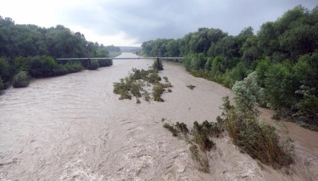 На Прикарпатті очікуються паводки – річки можуть піднятися на понад 2 метри