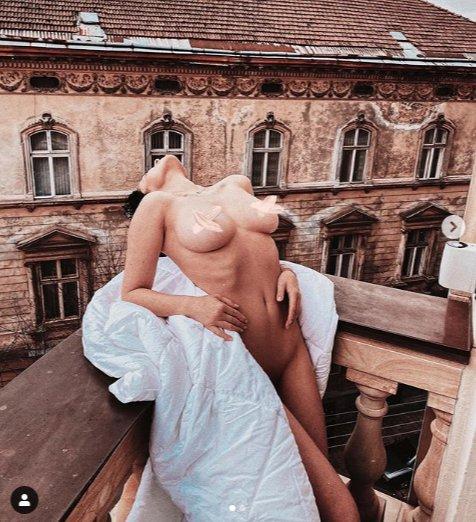 Українська зірка Playboy повністю роздяглась на львівському балконі (ФОТО 18+)