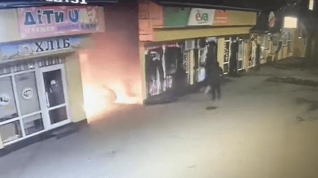 З'явилося відео нічного підпалу магазинів у Надвірній
