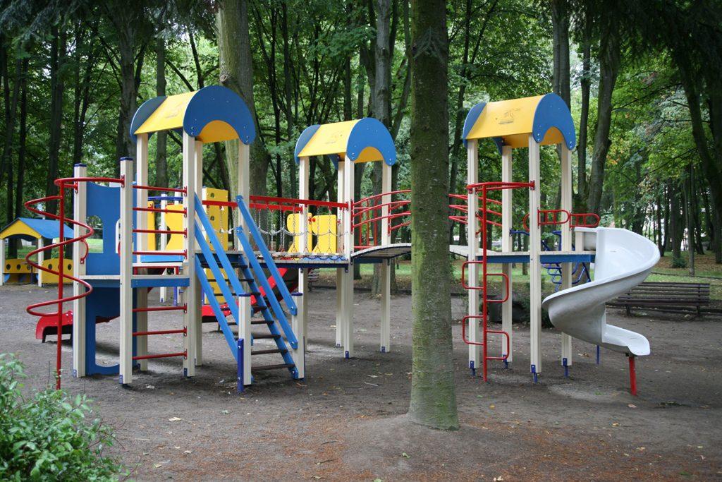 Ігрову зону для дітей хочуть облаштувати біля церкви на Гаркуші