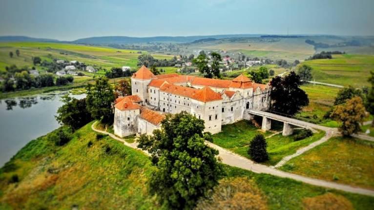 5 старовинних українських замків з незвичайною історією, які варто відвідати (ФОТО)