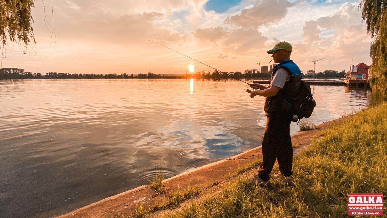 На водоймах Івано-Франківської області дозволили рибалити