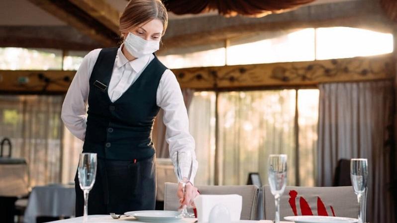 На Прикарпатті підприємець сплатить 50 тисяч гривень за офіціанта без трудового договору