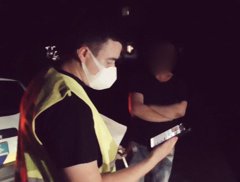 У Косові п'яний водій пропонував поліціянту 100 доларів хабаря: домовитися не вийшло (ФОТО)