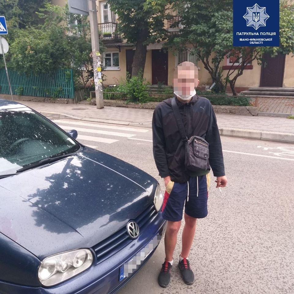 В Івано-Франківську у водія-порушника знайшли десяток чужих документів (ФОТО)