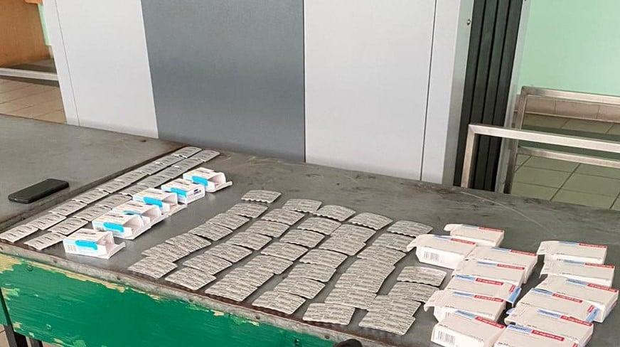 35-річний прикарпатець намагався ввезти в Україну майже 600 таблеток трамадолу (ФОТО)