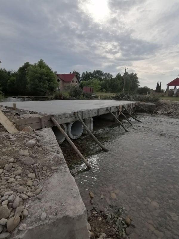 У Тисменичанах відновили міст, який зруйнувала повінь (ФОТО)