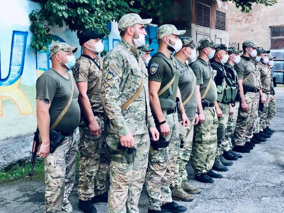 30 прикарпатських поліціянтів приїхали додому із зони ООС (ФОТО)