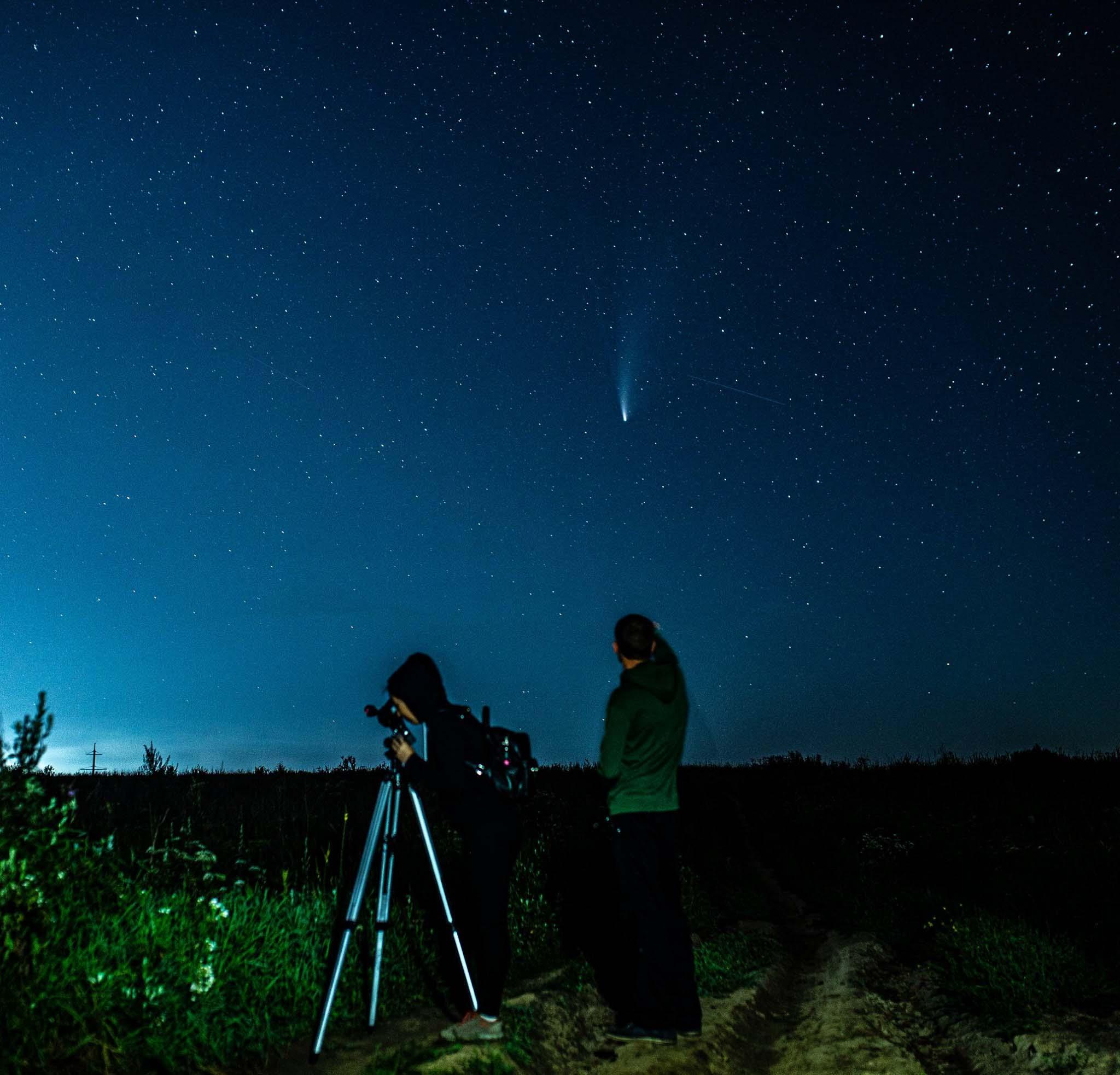 Франківець сфотографував палаючу комету Neowise (ФОТО)