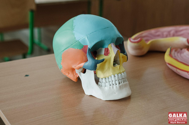 Старі макети та новітні ґаджети: як вчать школярів Франківщини на уроках природничого циклу (ФОТО)